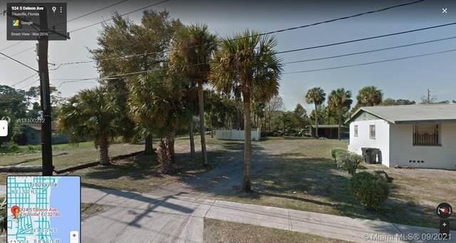 924 S Deleon Ave, Titusville, FL 32796 (MLS #A11100212) :: Castelli Real Estate Services