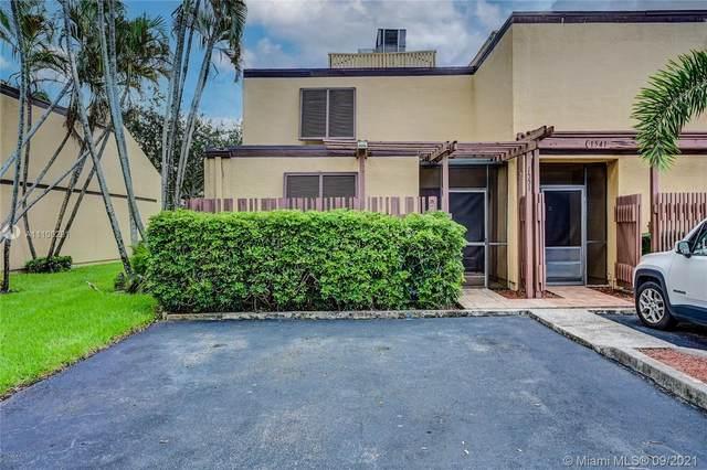 1551 W Golfview Dr #1551, Pembroke Pines, FL 33026 (MLS #A11100291) :: Castelli Real Estate Services