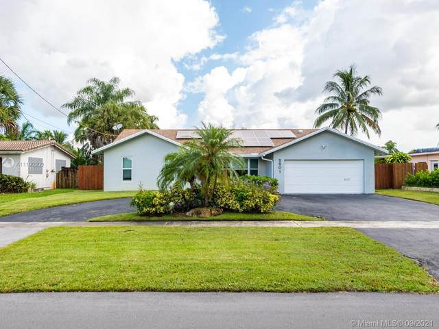 5801 SW 16th St, Plantation, FL 33317 (MLS #A11100309) :: United Realty Group
