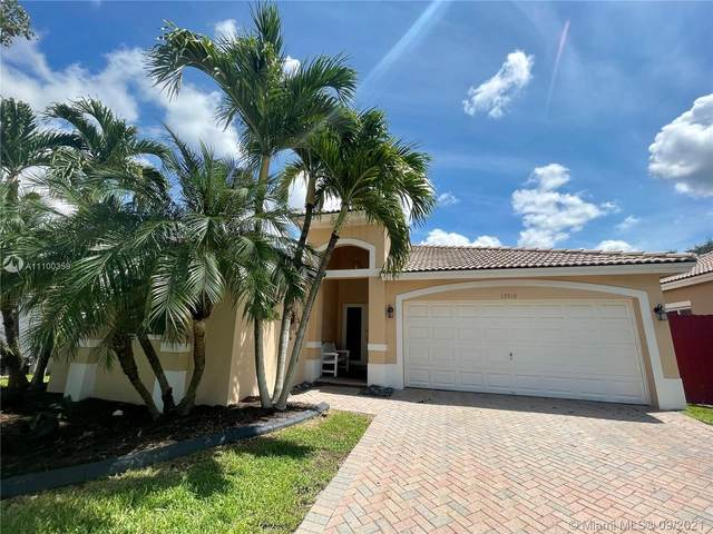 13919 SW 156th Ave, Miami, FL 33196 (MLS #A11100359) :: The Riley Smith Group