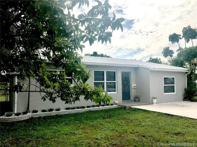 1922 Hayes St, Hollywood, FL 33020 (MLS #A11100395) :: Onepath Realty - The Luis Andrew Group