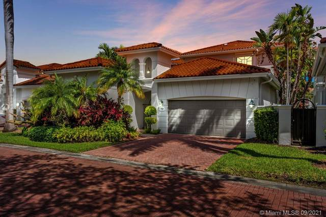1091 Waterside Ln, Hollywood, FL 33019 (MLS #A11100498) :: KBiscayne Realty