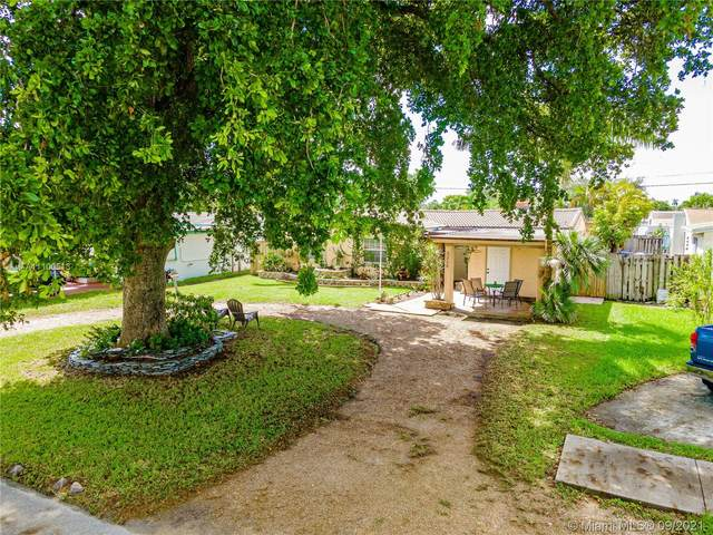 3210 Cleveland St, Hollywood, FL 33021 (MLS #A11100513) :: Castelli Real Estate Services