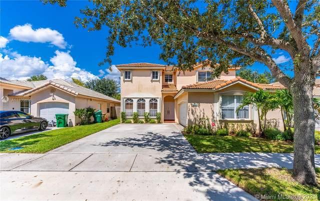 13771 N Garden Cove Cir, Davie, FL 33325 (MLS #A11100698) :: United Realty Group