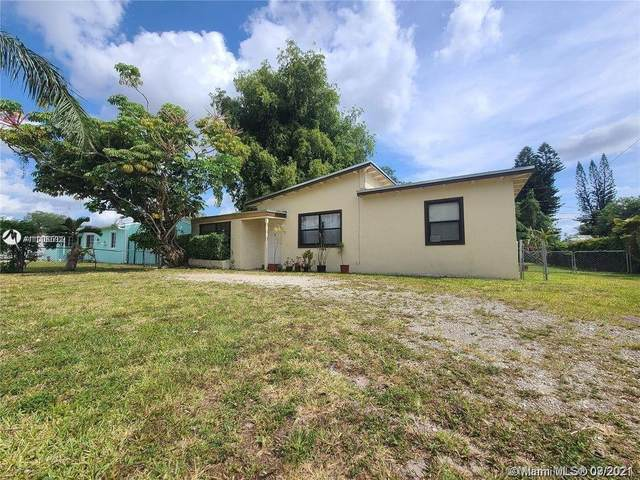 27 Miami Gardens Rd, Hollywood, FL 33023 (MLS #A11100702) :: The MPH Team