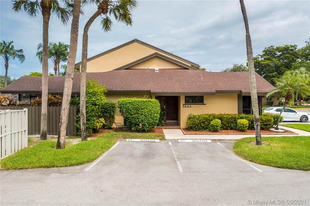 8843 Cleary Blvd, Plantation, FL 33324 (MLS #A11100804) :: United Realty Group