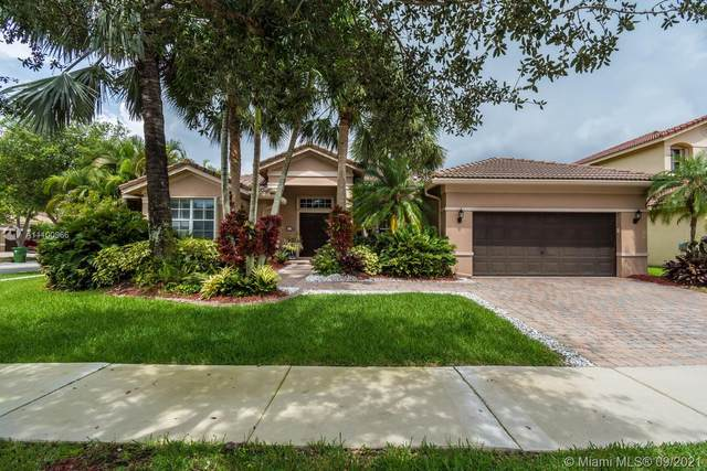 3952 Martin Ct, Weston, FL 33331 (MLS #A11100966) :: Onepath Realty - The Luis Andrew Group
