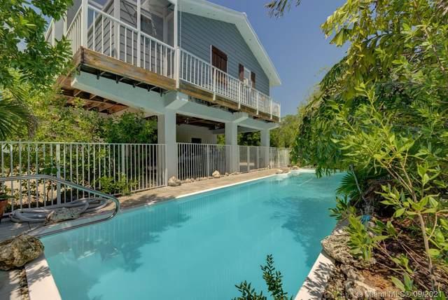 24 Mangrove Ln, Key Largo, FL 33037 (MLS #A11101008) :: Castelli Real Estate Services