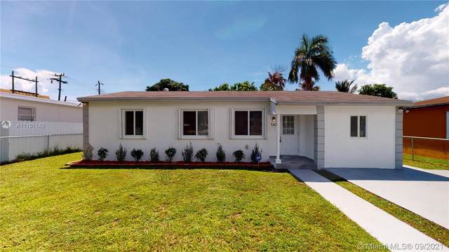 760 NW 85th St, Miami, FL 33150 (MLS #A11101142) :: The Riley Smith Group