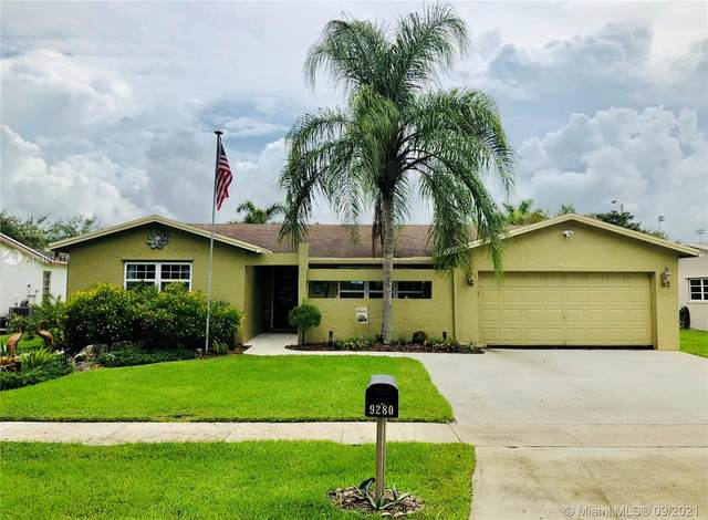 9280 SW 56th St, Cooper City, FL 33328 (MLS #A11101416) :: Green Realty Properties