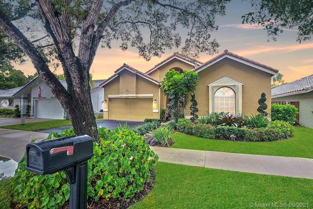 11575 S Quayside Dr, Cooper City, FL 33026 (MLS #A11101619) :: KBiscayne Realty