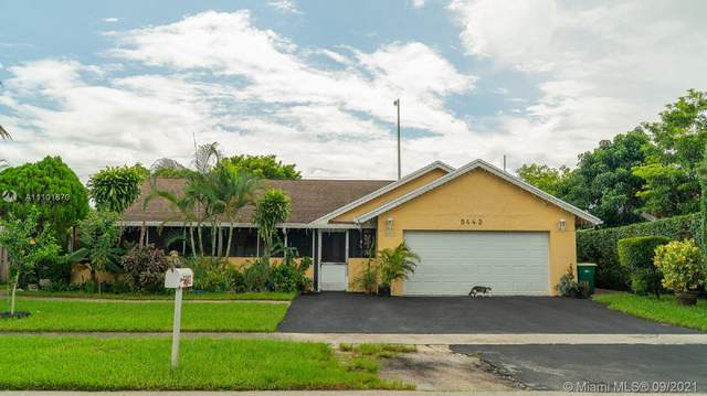 5442 NW 56th Ct, Tamarac, FL 33319 (MLS #A11101670) :: THE BANNON GROUP at RE/MAX CONSULTANTS REALTY I