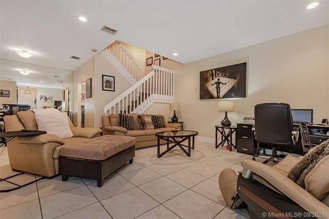 1405 Yellowheart Way, Hollywood, FL 33019 (MLS #A11101672) :: United Realty Group