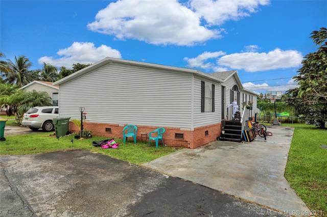 220 NE 12th Ave #33, Homestead, FL 33030 (MLS #A11101884) :: Berkshire Hathaway HomeServices EWM Realty