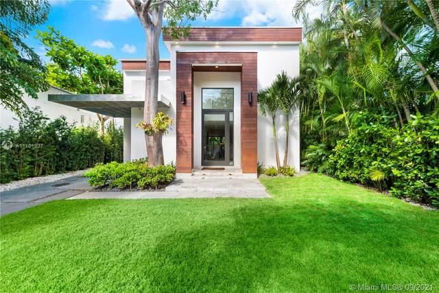 3886 La Playa Blvd, Miami, FL 33133 (MLS #A11101937) :: Castelli Real Estate Services