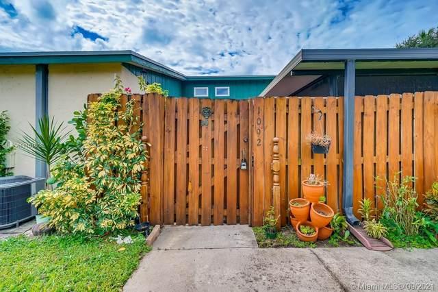 1090 Manor Dr 23B, Palm Springs, FL 33461 (MLS #A11101953) :: Patty Accorto Team