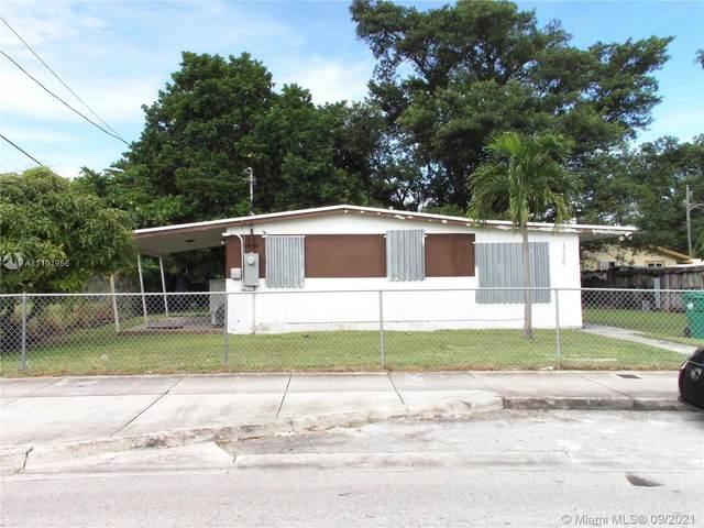 17520 Homestead Ave, Miami, FL 33157 (MLS #A11101956) :: The MPH Team