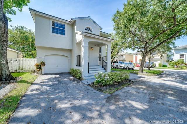 9949 NW 9th Court, Plantation, FL 33324 (MLS #A11101959) :: CENTURY 21 World Connection
