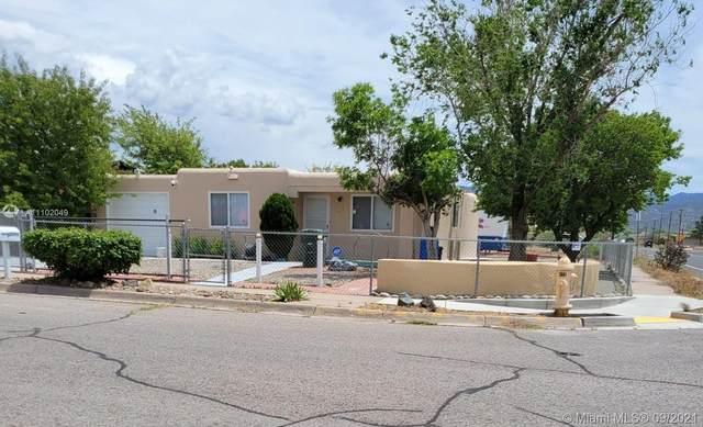 2099 Calle Ensenada, Llano South Ridge, NM 87505 (MLS #A11102049) :: Re/Max PowerPro Realty