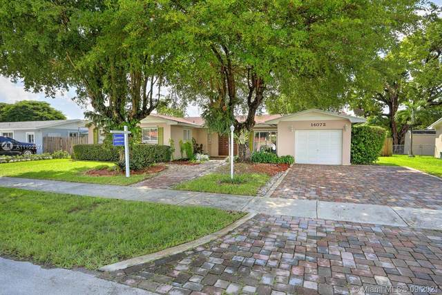 14072 SW 80th St, Miami, FL 33183 (MLS #A11102571) :: The Riley Smith Group