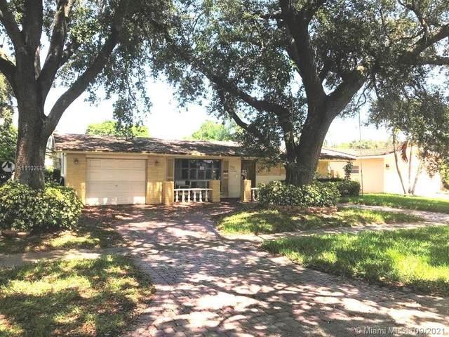 5401 Buchanan St, Hollywood, FL 33021 (MLS #A11102605) :: All Florida Home Team