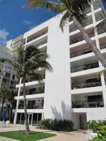 5415 Collins Ave #302, Miami Beach, FL 33140 (#A11102608) :: Posh Properties