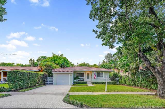 1429 Messina Ave, Coral Gables, FL 33134 (MLS #A11102660) :: The Riley Smith Group