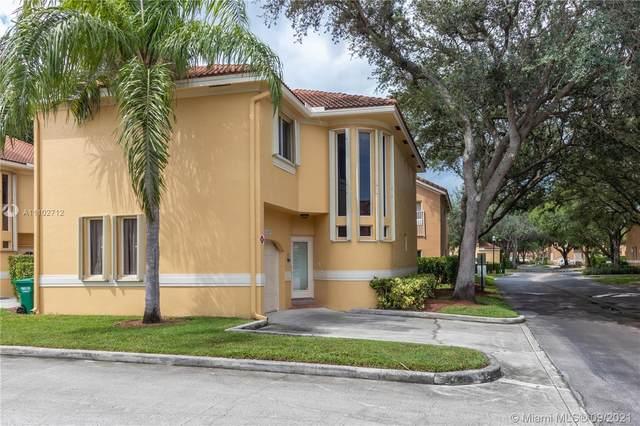 11207 Lakeview Dr, Coral Springs, FL 33071 (MLS #A11102712) :: Rivas Vargas Group