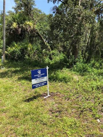 8009 Vega  Ct, La Belle, FL 33935 (MLS #A11102793) :: Castelli Real Estate Services