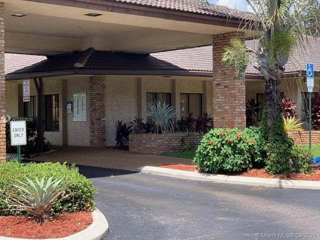 333 NW 70th Ave #120, Plantation, FL 33317 (MLS #A11103030) :: Patty Accorto Team