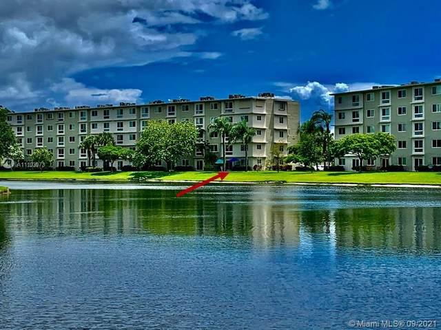 2106 S Cypress Bend Dr #101, Pompano Beach, FL 33069 (MLS #A11103073) :: All Florida Home Team