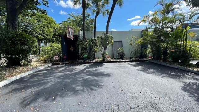 16511 Fox Den Ct, Miami Lakes, FL 33014 (MLS #A11103121) :: The Riley Smith Group