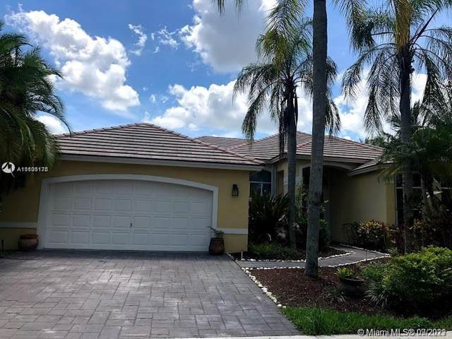 2694 Meadowood Ct, Weston, FL 33332 (MLS #A11103176) :: The Pearl Realty Group