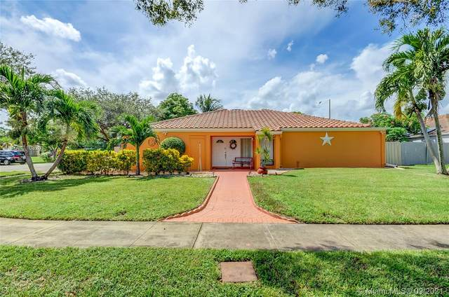 4997 SW 95th Ave, Cooper City, FL 33328 (MLS #A11103291) :: The Teri Arbogast Team at Keller Williams Partners SW