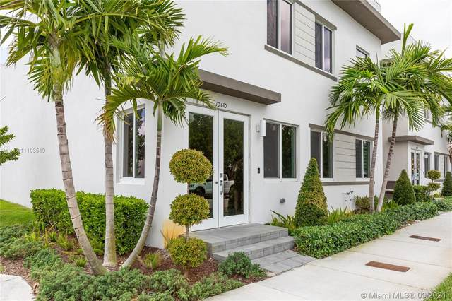 10410 NW 67th St, Doral, FL 33178 (MLS #A11103519) :: Castelli Real Estate Services