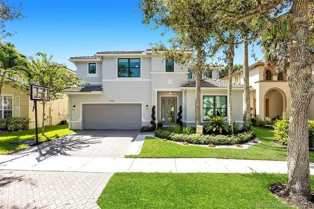 19124 Seneca Ave, Weston, FL 33332 (MLS #A11103572) :: ONE | Sotheby's International Realty