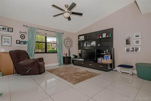 12356 NW 12th Ct, Pembroke Pines, FL 33026 (MLS #A11103657) :: Rivas Vargas Group