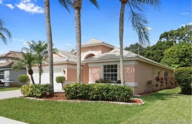 8637 Windy Cir, Boynton Beach, FL 33472 (MLS #A11103721) :: Jo-Ann Forster Team
