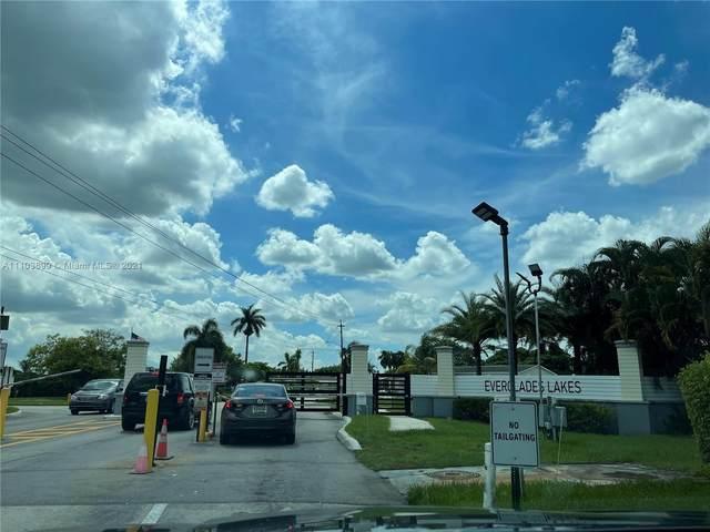 5366 SW 32 Street, Davie, FL 33314 (MLS #A11103899) :: The Paiz Group