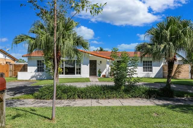 11981 SW 118th St, Miami, FL 33186 (MLS #A11104168) :: Green Realty Properties