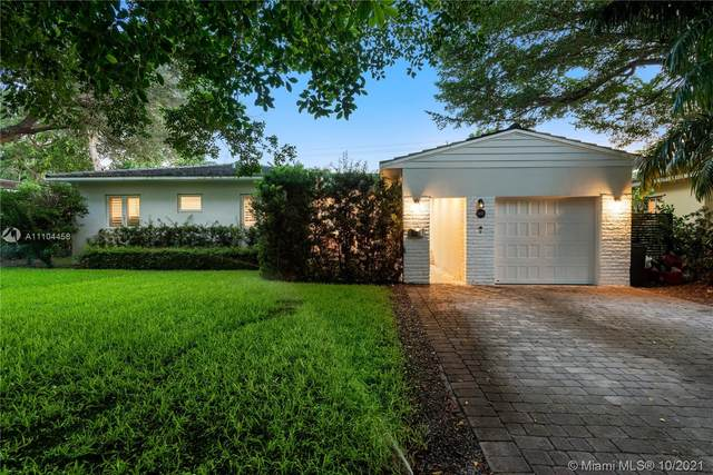 1232 Manati Ave, Coral Gables, FL 33146 (MLS #A11104458) :: The Jack Coden Group