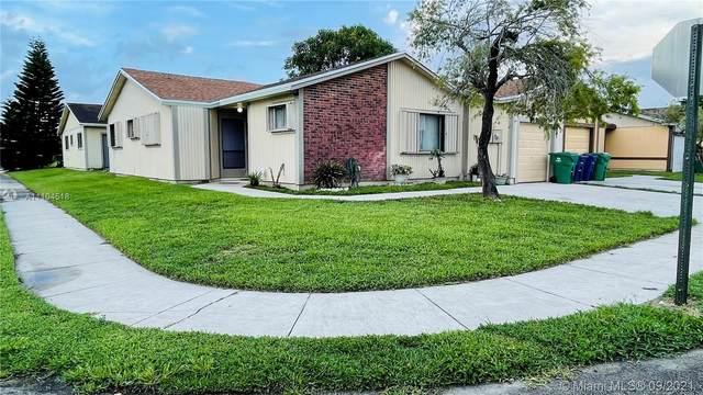 9650 W Elm Ln, Miramar, FL 33025 (MLS #A11104518) :: The Pearl Realty Group