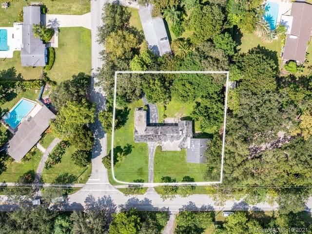 8045 SW 128th St, Pinecrest, FL 33156 (MLS #A11104629) :: Castelli Real Estate Services