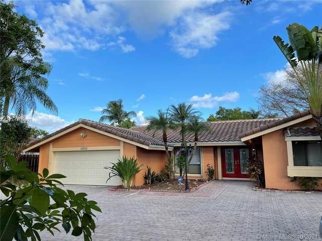 16540 Saddle Club Rd, Weston, FL 33326 (#A11104731) :: Posh Properties