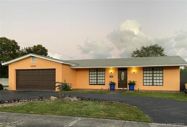 1831 N 56th Ave, Hollywood, FL 33021 (MLS #A11104918) :: Berkshire Hathaway HomeServices EWM Realty