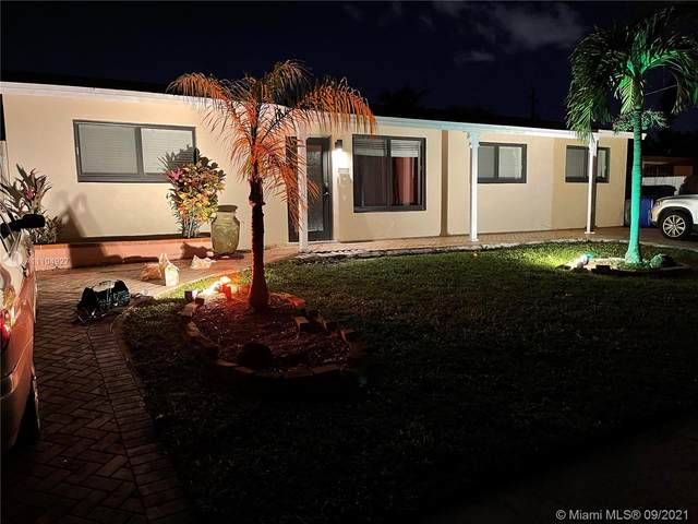 210 NW 40th St, Deerfield Beach, FL 33064 (MLS #A11104927) :: Castelli Real Estate Services