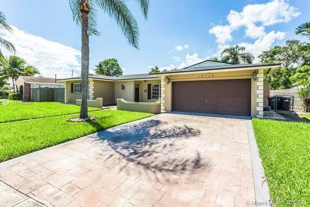 18730 SW 92nd Ave, Cutler Bay, FL 33157 (MLS #A11105469) :: Re/Max PowerPro Realty