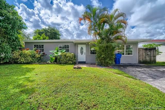 7160 Pershing Street, Hollywood, FL 33024 (MLS #A11105544) :: Berkshire Hathaway HomeServices EWM Realty