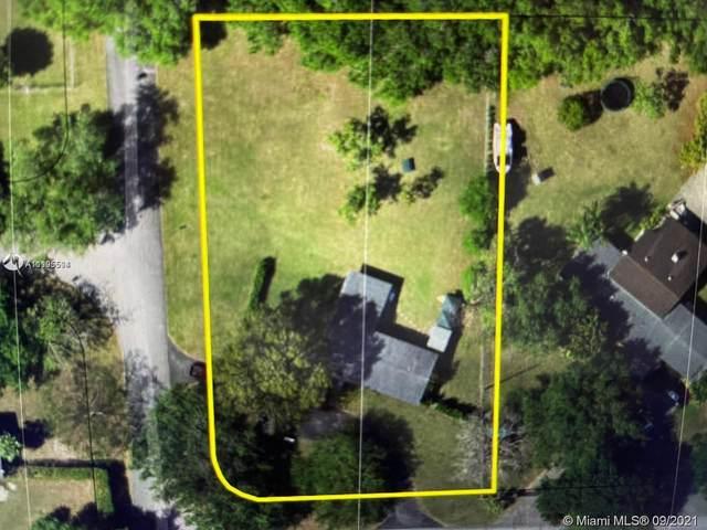 11395 SW 88th Ave, Miami, FL 33176 (MLS #A11105594) :: Castelli Real Estate Services
