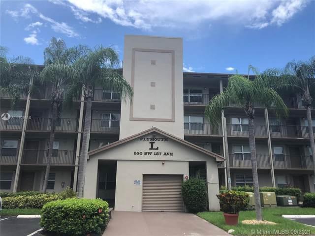550 SW 137th Ave 408L, Pembroke Pines, FL 33027 (MLS #A11105610) :: GK Realty Group LLC